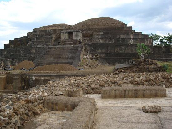 El Salvador: El Tatzumal- Chalchuapa
