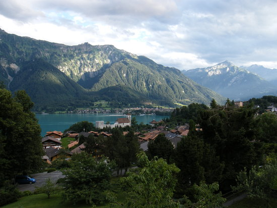 Berner Oberland, Zwitserland: View over Brienzersee