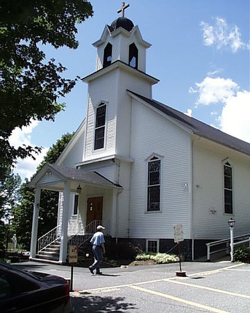 Fiskdale, MA: St. Anne's Church