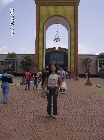 "Maturin, Venezuela: Centro Comercial ""La Cascada"""