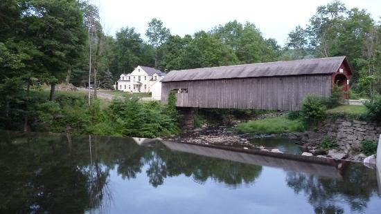 Green River Bridge House: Covered Bridge