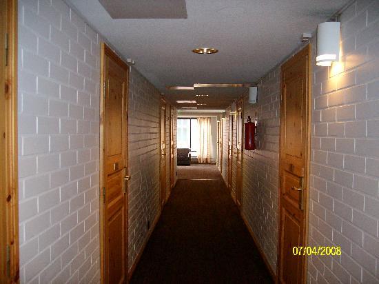 Kuopio-Hotel Jahtihovi: hotel hallway