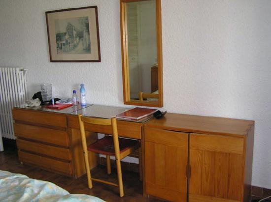 Le Galion Residence : mobilier dit provençal