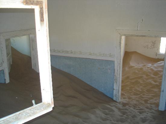 Luderitz, Namibia: Du sable chez le médecin