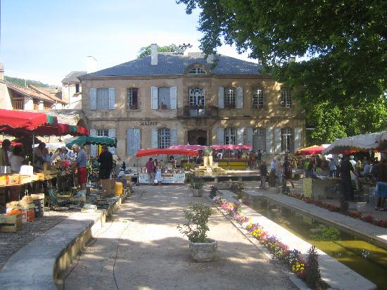 RCN Val de Cantobre: Nant -local village/  market