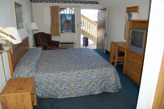 Super 8 Brownsburg: Picture Of Room