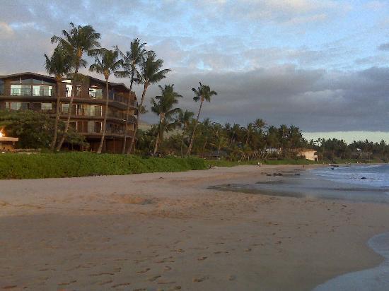 Hale Hui Kai Condominium: Perfect beach setting
