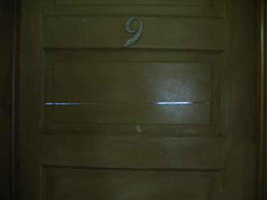 PM Park: Cracked Door Room 9