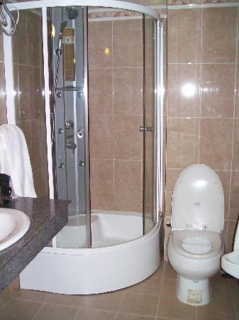 Dreams Hotel: Bathroom small but very sophisticated