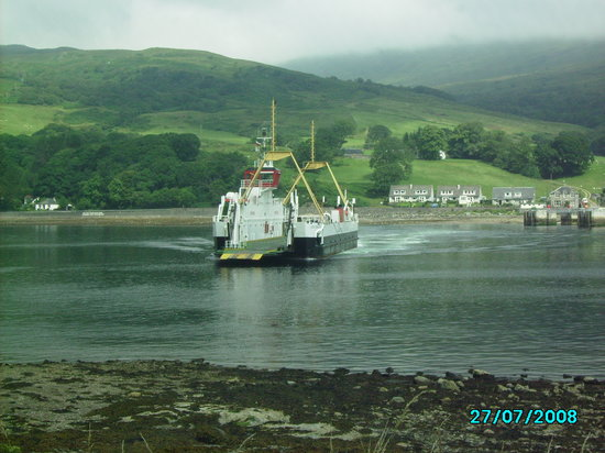Isle of Bute, UK: Ferry at North end of Island
