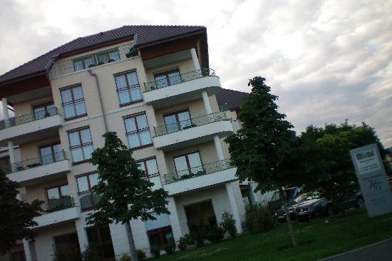 Appart'City Confort Geneve Divonne-les-Bains: Hotel exterior