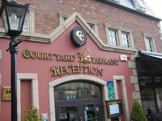 Carnegie Court Hotel: Hotel