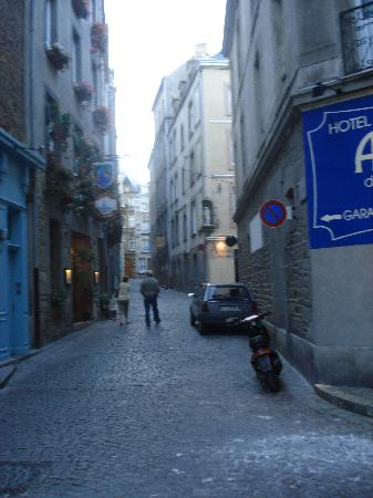 Hotel Le Nautilus: Blick auf die Corn du Cerf mit Hoteleingang