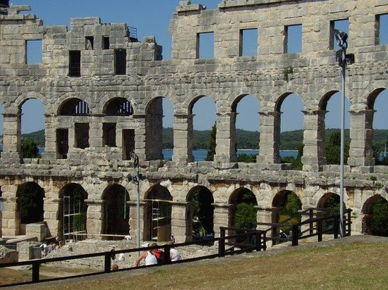 Croazia: Pula Coliseum