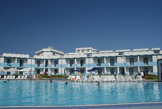 Selinunte Beach: piscine et hotel