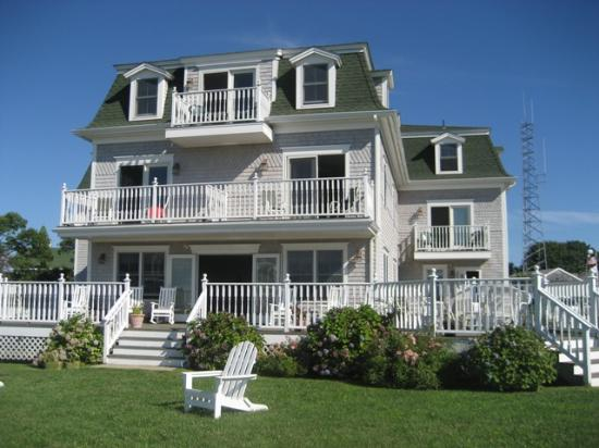 Payne's Harbor View Inn: PAYNE'S INN