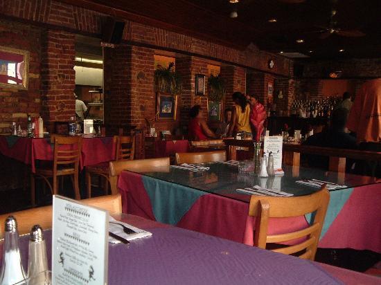 Cuzzin's Caribbean Restaurant and Bar: Interior at Cuzzin's