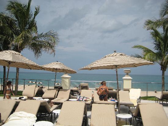Kimpton Vero Beach Hotel U0026 Spa: Patio Deck Overlooking Beach
