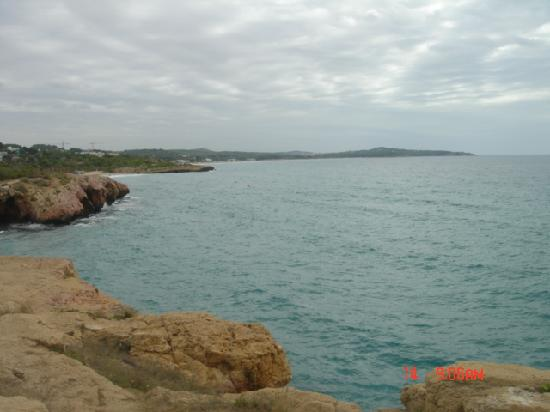 Nuria: The beach behind the hotel