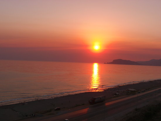 Alanya, Turkey: Sunet at Mahmutlar