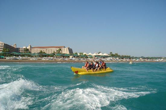 Hotel Riu Kaya Belek: kids on banana boat on Kaya Belek beach