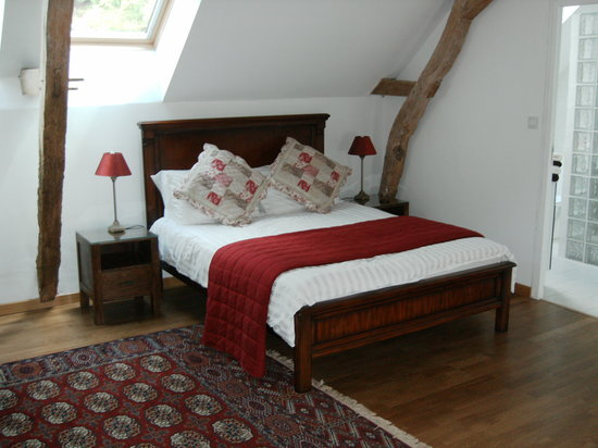 Les Peupliers : OUr bedroom, hayloft