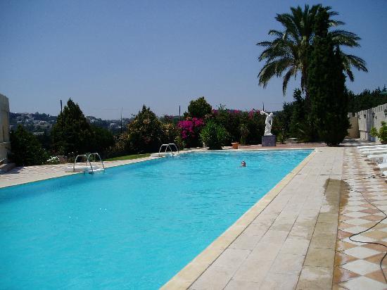 Castello di Rodi : La piscine, superbe...