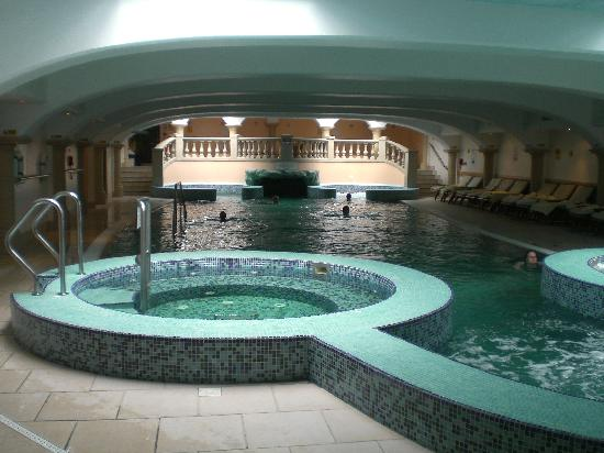 Hoar Cross Hall Spa Hotel: day guests' pool