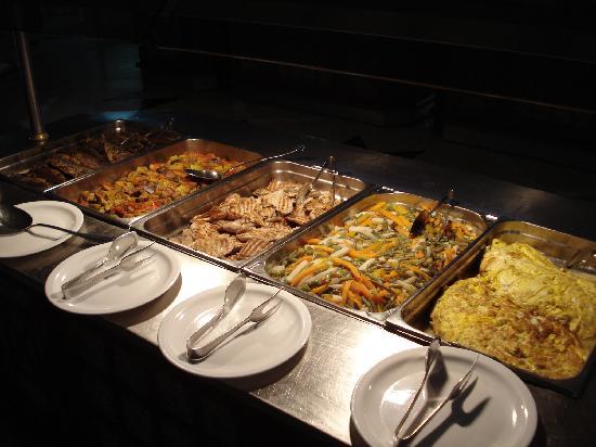 El Mouradi Club Selima: Essen gibt's genug...