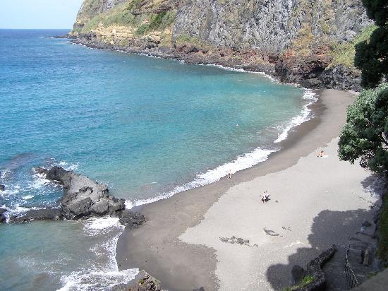 Caloura Hotel Resort: The beach near the hotel