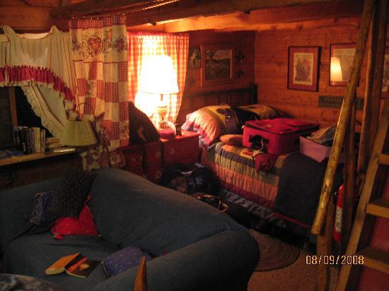 Sagewood Cabins: cabin