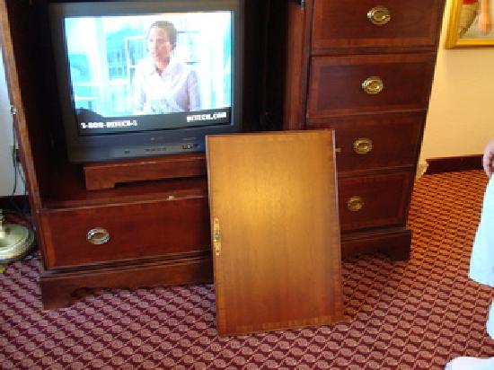 Super 8 Liberty NE Kansas City  Area: Furniture falling apart.