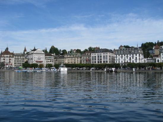 Wellness Hotel Graziella: Coming by boat into Luzern
