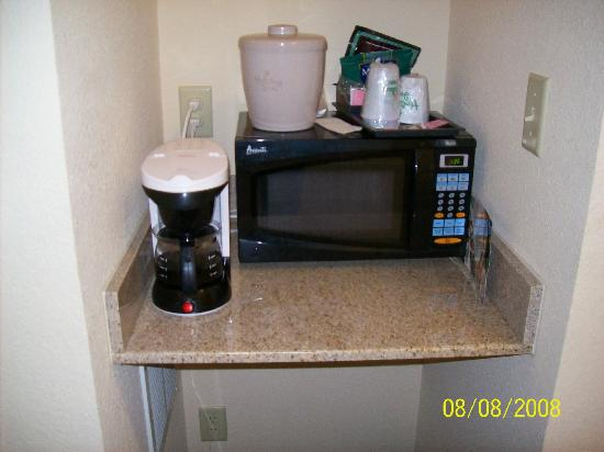 Holiday Inn Statesboro University Area: Little coffee corner