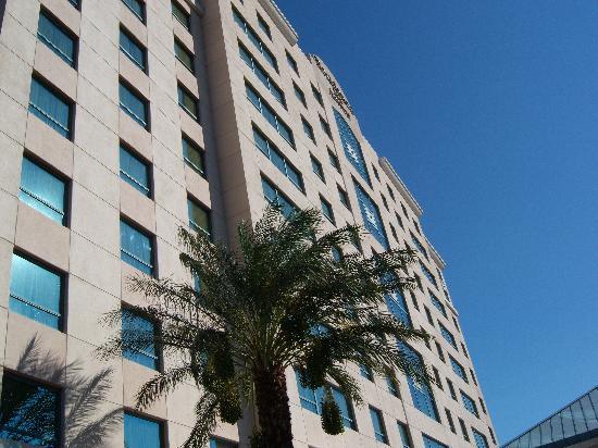 Residence Inn Las Vegas Hughes Center : Big for a Residence Inn