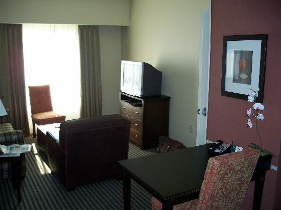 Homewood Suites Louisville East: Living Room in 2 bedroom Suite