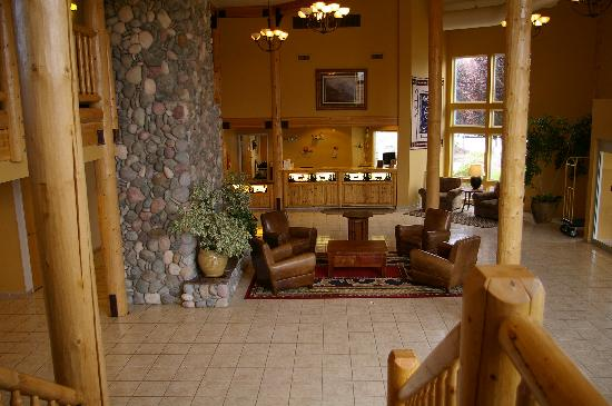 Boardman, Oregón: Beautiful and cozy lobby. Great for relaxing and reading a book
