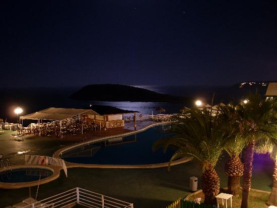 Hotel TRH Torrenova: Night view from apartment