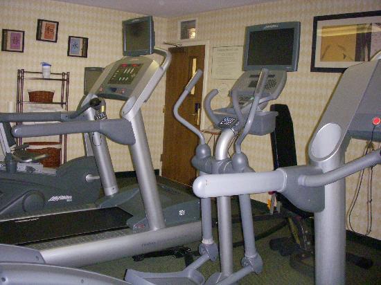 Courtyard Sacramento Airport Natomas: Gym