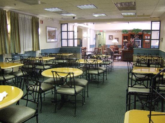 Staybridge Suites Lake Buena Vista: dining area