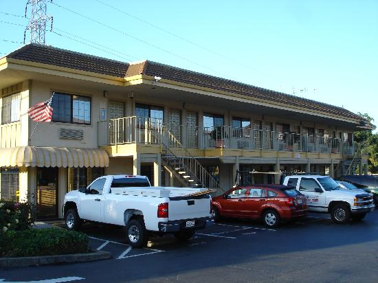 Quality Inn Hayward Hotel: Extérieur