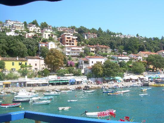 Marina Hotel: ca. 10 gemütliche Gehminuten zum schönen Hafen