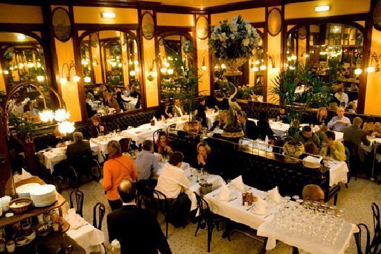 Serveur Restaurant Paris Avis