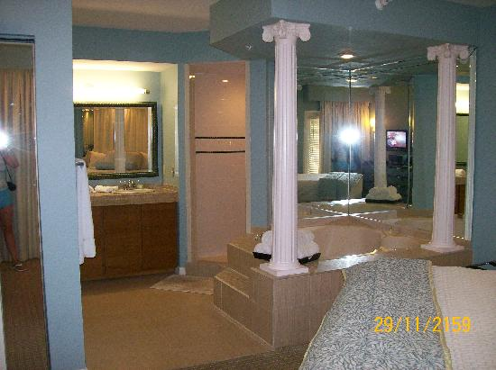 Star Island Resort and Club: Upgraded bathroom