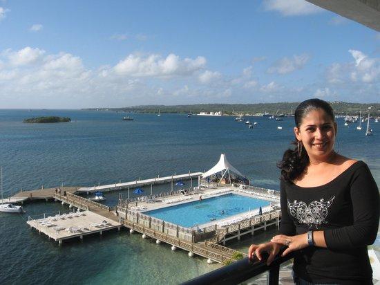 GHL Relax Hotel Sunrise : Aqui estoy yo en el balcon de nuestra habitacion, chequen que vista tan padrisima,