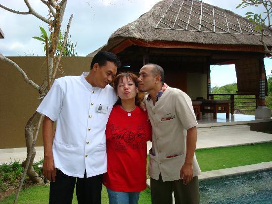 Balivillas.com Estate: Good-Bye Kiss (last day)
