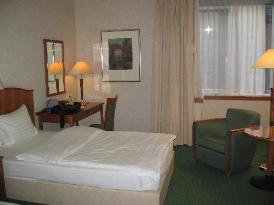 pentahotel Berlin-Köpenick: The room is spacious
