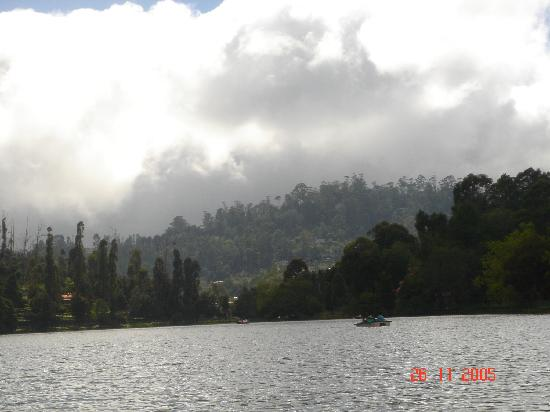 The Carlton : view of the kodai lake