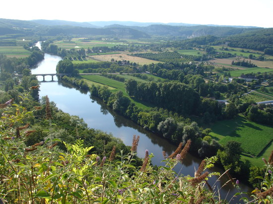 Dordonia, Francja: View of the Dordogne river