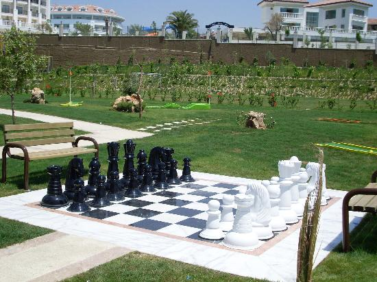 ‪‪Alba Royal Hotel‬: Outdoor Chess‬